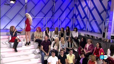 Emma García Video Minifalda Con Botas