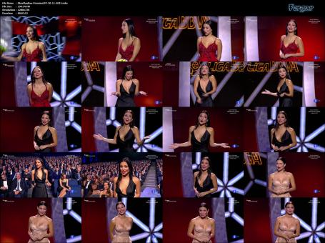 Elisa Mouliaá Video Exhibición De Escotes En Los Premios LFP 2015