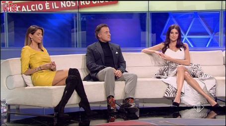 Melissa Satta Video Minivestido Con Botas Altas