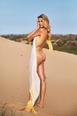 Natalie Roser (13 HQ) + (1 V) En El Magazine De Pago SERIES ISSUE Magazine 1.0 2020