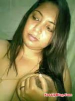Indian MILF Boobs Show