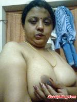 Indian Aunty Boobs Shows