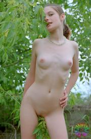 https://imgtaxi.com/images/small/2017/07/05/595d109454d8f.jpg