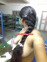 Chennai Housewife Boobs n Pussy Shows