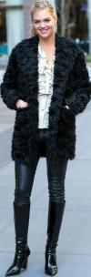Kate Upton Pantalones De Cuero Con Botas